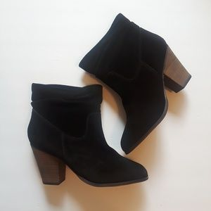 NWOT Chinese Laundry black suede ankle booties